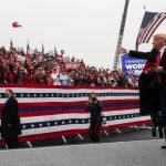 El presidente de Estados Unidos, Donald Trump, durante un mitin de campaña, en Lititz, Pensilvania. REUTERS/Leah Millis