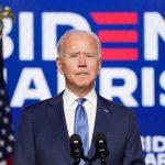El demócrata Joe Biden logró la presidencia de Estados Unidos, dijeron el sábado Edison Research y varias cadenas de televisión, después de que los votantes rechazaron por poco margen el tumultuoso liderazgo del republicano Donald Trump para abrazar la promesa de un esfuerzo renovado para combatir la pandemia de coronavirus REUTERS/Kevin Lamarque
