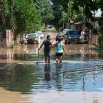 Calle inundada tras el paso de 'Eta' por San Pedro Sula, Honduras
