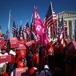 Partidarios del presidente de Estados Unidos, Donald Trump, participan en una protesta, Washington, EEUU, 14 noviembre 2020. REUTERS/Hannah McKay