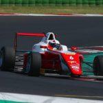 Sebastián Montoya en busca del podio en la F4 italiano en Imola