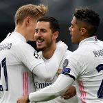 Odegaard y Mariano felicitan a Hazard tras el 0-1 en el Inter-Real Madrid de la Liga de Campeones 2020-2021 Foto REAL MADRID / Europa Press