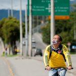 Persona con Tapaboca en Colombia. Foto Sebastián Barros Salamanca / ZUM / Europa Press CONTACTO