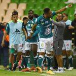Yairo Moreno celebra el segundo gol con el que León ganó 2-0 a Pumas UNAM para obtener el campeonato en México. Estadio Nou Camp, León, México. 13 de diciembre de 2020. REUTERS/Omar Martinez