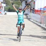 Lorena Colmenares celebró en solitario y es nueva líder de la carrera.