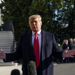 Presidente de EEUU, Donald Trump, hablando con la prensa en la Casa Blanca. Ene 12, 2021. REUTERS/Kevin Lamarque
