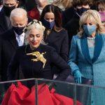 Lady Gaga se prepara para cantar el himno nacional de Estados Unidos en la ceremonia de juramentación del presidente Joe Biden en Washington D.C.  Enero 20, 2021. REUTERS/Kevin Lamarque