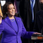 Kamala Harris jura como vicepresidenta de Estados Unidos. Washington, EEUU, 20 de enero de 2021. REUTERS/Kevin Lamarque