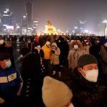 Una multitud reunida en la plaza Sükhbaatar durante una protesta contra la gestión del Gobierno mongol de la pandemia de COVID-19 en Ulán Bator, Mongolia