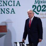 El presidente de México, Andrés Manuel López Obrador, asiste a su habitual conferencia de prensa matutina en Palacio Nacional de Ciudad de México.