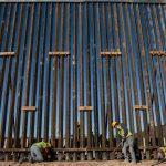 Construcción del muro fronterizo con México.
