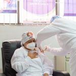 La enfermera Verónica Luz Machado,es la primera en recibir una dosis de vacuna contra el COVID-19-