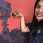 Diana Trujillo, líder de la fase de superficie de Mars 2020 Arm Science..Tomada de video via Reuters