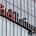 El logotipo de Fitch Ratings se ve en sus oficinas en el distrito financiero de Canary Wharf en Londres, Gran Bretaña. REUTERS/Reinhard Krause