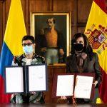 La Ministra de Relaciones Exteriores, Claudia Blum, y la Ministra de Asuntos Exteriores de España, Arancha González, suscribieron la nueva estrategia de cooperación