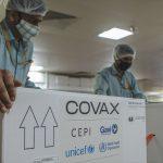 Una caja de vacunas del COVID-19 para la iniciativa Covax se prepara para el envío desde Pune, en India, en marzo de 2021. UNICEF - HANDOUT AGENCIA ANADOLU