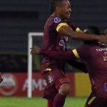Jugadores del Tolima celebran uno de los goles ante el Deportivo Cali foto Sudamericana