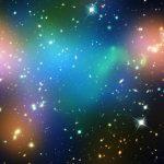 La materia oscura, invisible al ojo humano, pero representada aquí en color azul NASA/ESA / Europa Press