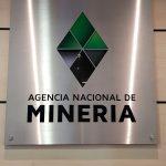 El logo de la colombiana Agencia Nacional de Minería (ANM) en su sede de Bogotá,. REUTERS/Luis Jaime Acosta