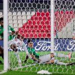 El Libertad de Daniel Garnero logró ganar de local y sacó ventaja en la llave ante Atlético Nacional de Colombia, en la disputa por ganarse un cupo a la fase de grupos de la Copa Libertadores.