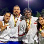 Deportistas de Caldas de derecha a izquierda, Brigidh Mayorga, Henry David Cañas, Sebastián Juanillo y Dayana Mendieta