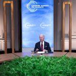El presidente de Estados Unidos, Joe Biden, participa en una Cumbre Climática virtual con líderes mundiales en la Sala Este de la Casa Blanca en Washington, Estados Unidos. 22 de abril de 2021.  REUTERS/Tom Brenner