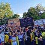 Decenas de colombianos se concentran en València en contra del gobierno de su país. Fotos Cristian Rojas Ayerve