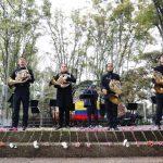 La OFB en las calles con música por la NO violencia