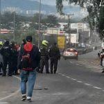 La Policía realizó una intervención para recuperar la movilidad en La Romelia, los manifestantes denuncian exceso de la fuerza. Foto Cortesía