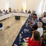 Este martes, el Presidente Iván Duque Márquez visitó el puerto de Buenaventura, donde conversó con la ciudadanía y analizo con líderes y autoridades los programas sociales y estrategias de desarrollo puestos en marcha en la región. Foto Presidencia
