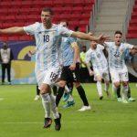 Guido Rodríguez celebra tras anotar el gol con el que Argentina ganó a Uruguay en Copa América. Estadio Mane Garrincha, Brasilia, Brasil. 18 de junio de 2021. REUTERS/Henry Romero