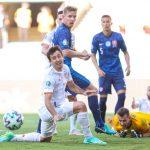 La selección española cumplió y se clasificó para los octavos de final de la Eurocopa 2020 después de golear contundentemente por 0-5 en La Cartuja a Eslovaquia, pero no evitó acabar segunda del Grupo E, por lo que se medirá a Croacia en el Parken Stadion de Copenhague el próximo lunes.