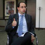 José Manuel Restrepo,  Ministro de Hacienda habla durante una entrevista con Reuters en Bogotá, REUTERS/Luisa González