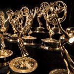 Estatuillas de los Emmy antes de la premiación