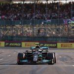 Mercedes de Lewis Hamilton tras finalizar primero en la prueba de sprint del viernes.  Pool via REUTERS/Lars Baron