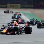Max Verstappen de Red Bull durante la clasificación al sprint. REUTERS/Peter Cziborra