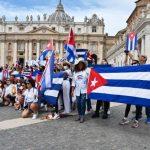 Fieles cubanos en la Plaza de San Pedro.Foto Vatican News