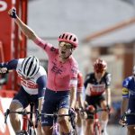 El danés Magnus Cort Nielsen ganó el viernes la accidentada etapa número 19 de la Vuelta a -Luis Angel Gomez   Photo Gomez Spo