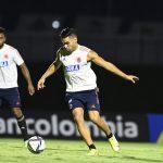 Radamel Falcao García entrenando con la Selección Colombia con miras al partido con Chile