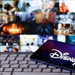 """Logo de """"Disney"""" en la cubierta de un smartphone. REUTERS/Dado Ruvic"""