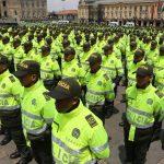 Policías listos a patrullar calles de Bogotá