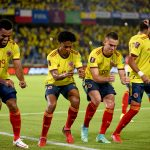 El delantero colombiano Miguel Ángel Borja celebra uno de sus dos goles en la victoria 3-1 de Colombia sobre Chile