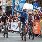 El ciclista cordobés Álvaro Hodeg se impuso la primera etapa del Tour de Eslovaquia, luego de ganar el embalaje de la jornada.