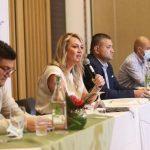 Isaac Herrera, director de producto de Easyfly; Paula Cortés, presidenta ejecutiva de Anato; y Carlos Maya, alcalde de Pereira, en el lanzamiento del Congreso Nacional de Agencias de Viajes y Turismo. Cortesía.