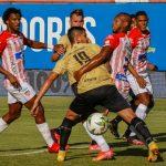 Águilas Doradas Rionegro y Atlético Junior en partido por la fecha 11 como parte de la Liga BetPlay DIMAYOR II 2021 jugado en el estadio Alberto Grisales de la ciudad de Rionegro. Foto: VizzorImage / Donaldo Zuluaga / Cont