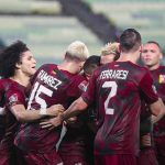 Jugadores de Venezuela celebran triunfo 2-1 sobre Ecuador