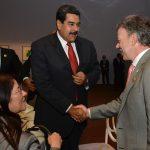 Santos saluda a Nicolas Maduro