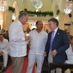 Santos y el Procurador se dan el saludo de la Paz en Cartagena
