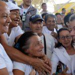 Mujeres de Dosquebradas, Risaralda, saludan al Presidente