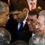 Saludo Obama y Raul Castro